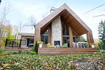 Timber Block Eastman Exterior Front