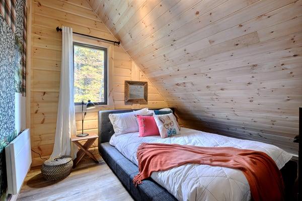 Timber Block Eastman Loft Bedroom