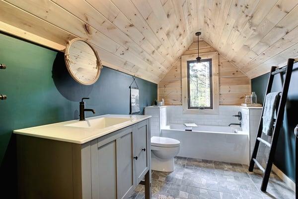 Timber Block Eastman Loft Bathroom