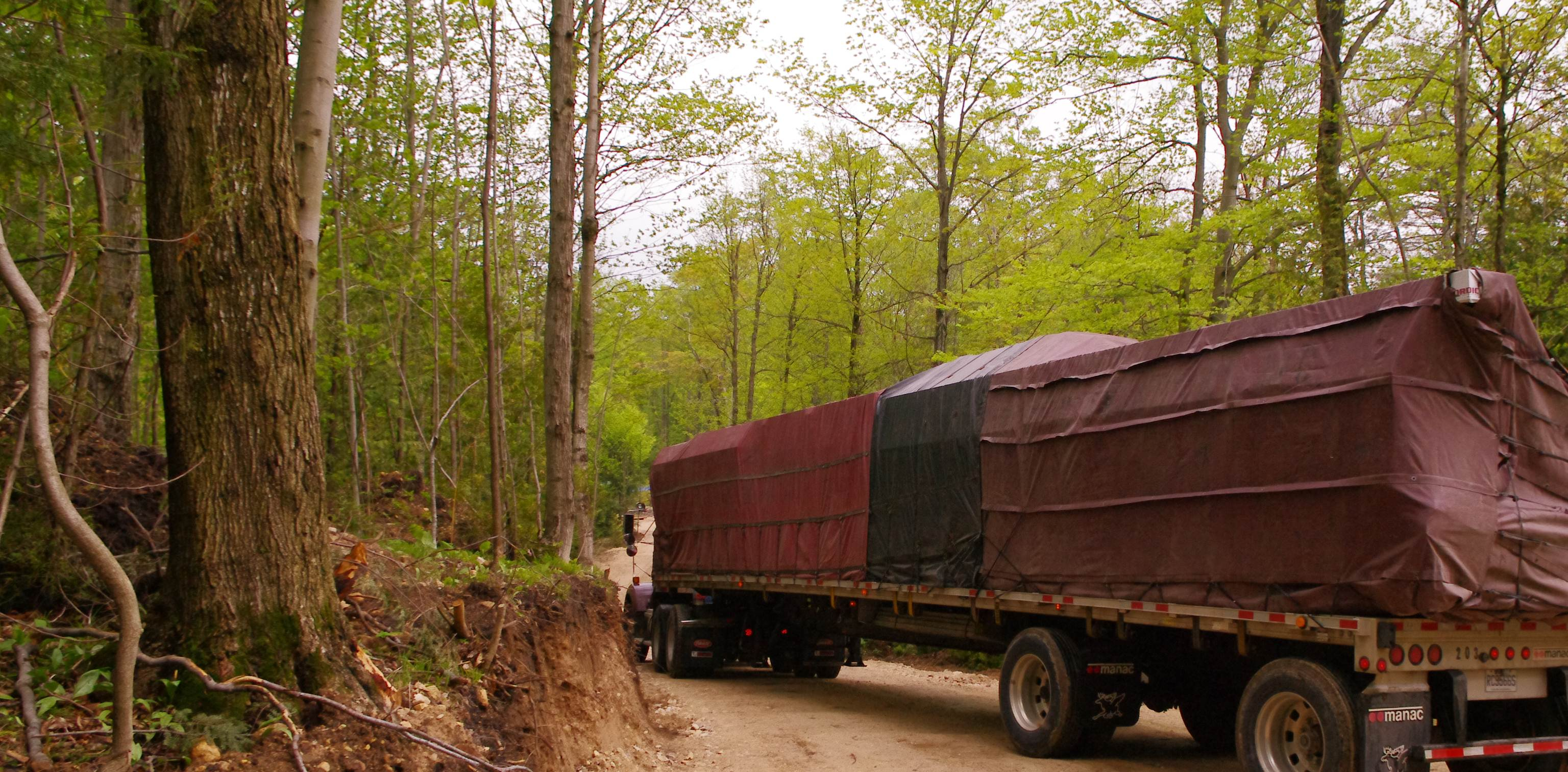 Timber Block Truck Deliver